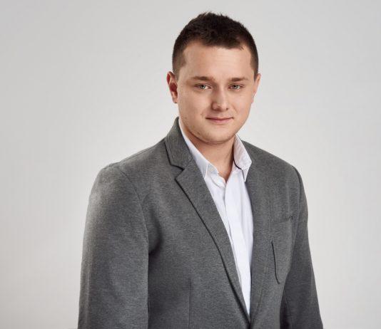 Adam Pasternak, Lege Advisors