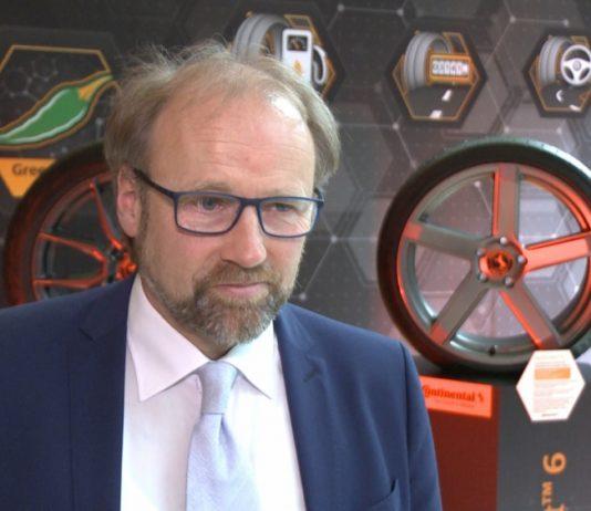 Producenci aut potrzebują innowacyjnych opon. Wymuszają to coraz ostrzejsze normy środowiskowe oraz rozwój pojazdów elektrycznych i autonomicznych