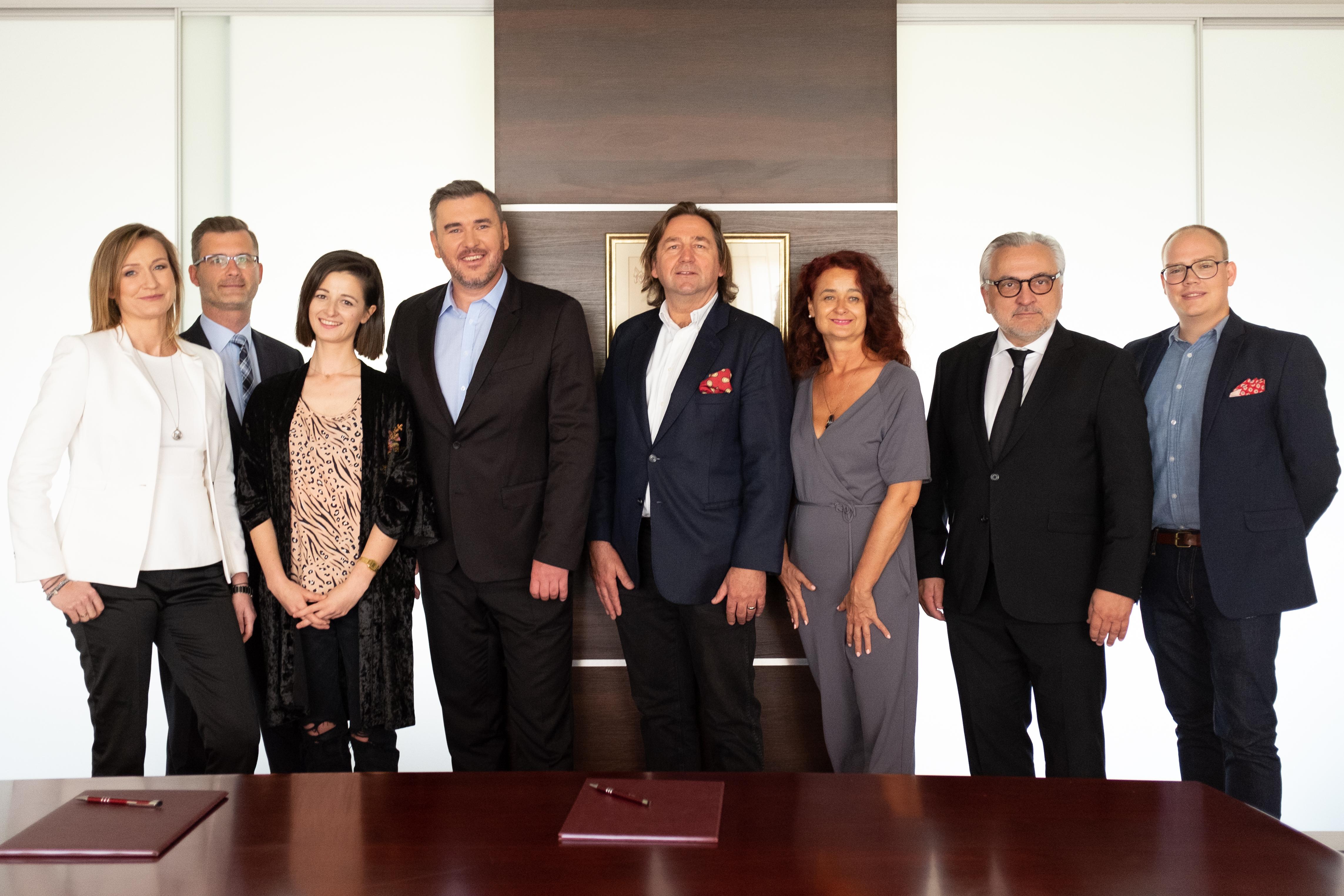 A. Brzozowska, T. Sobczak, S. Mazurek, J. Nowak, J. Mazurek, V. Mazurek, M. Malewicz, E. Madsen