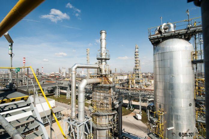 rafineria ropa Grupa MOL (2)