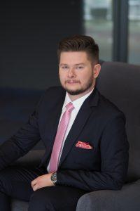 Hubert Oleksiak, Starszy Konsultant w Dziale Wynajmu Powierzchni Handlowych, JLL