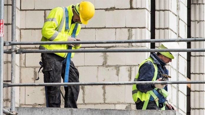 pracownik budowa