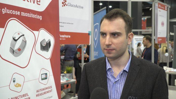 Badanie poziomu glukozy we krwi bez nakłuwania dzięki polskiej technologii. Urządzenie w formie zegarka umie dokonywać dokładniejszych pomiarów niż tradycyjne urządzenia