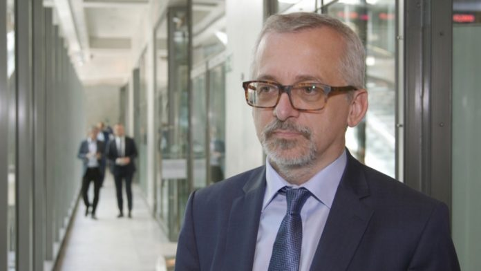Polscy inwestorzy indywidualni niechętnie podejmują ryzyko. Ożywienie na giełdzie i deregulacja mogłyby pobudzić rynek