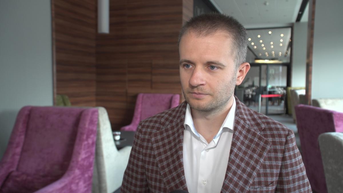 Algorytm polskiej firmy analizuje wiadomości i komentarze pod kątem emocji. Dla firm to nieocenione źródło badania satysfakcji klienta 1