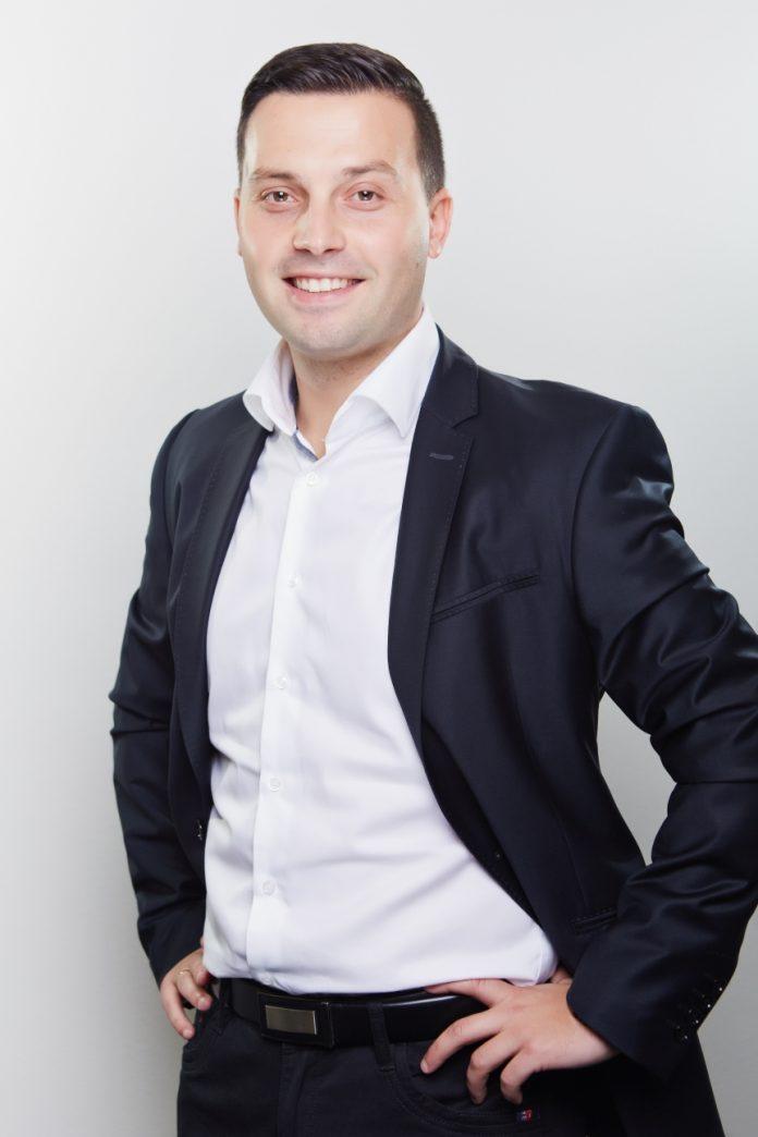 Bartosz Zieliński Dyrektor Zarządzający Commplace