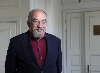 profesor Witold Modzelewski,profesor nauk prawnych, ekonomista i były wiceminister finansów