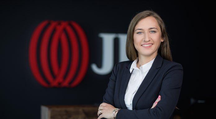 Aleksandra Gawrońska, Konsultant w Dziale Badań rynku Mieszkaniowego JLL