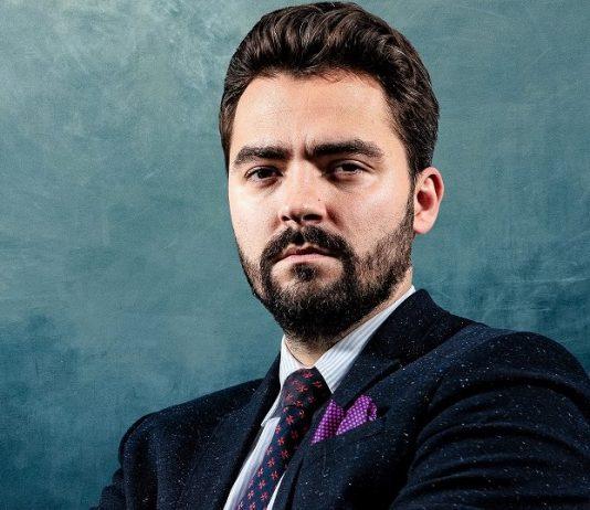 Krzysztof Michrowski, makler papierów wartościowych, ekspert z zakresu prawa rynku kapitałowego