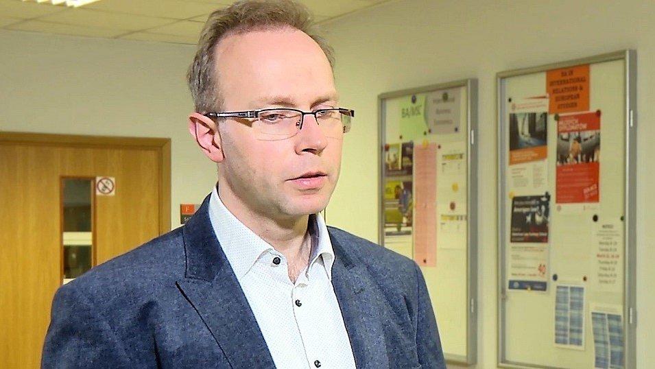 Prof. Krzysztof Piech z warszawskiej Uczelni Łazarskiego