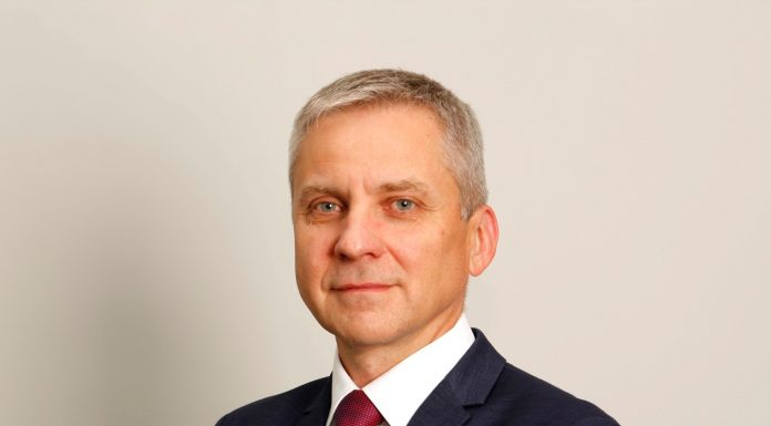 Zbigniew Łapiński,Dyrektor ds. Zaopatrzenia Logistyki i Klientów Kluczowych Członek Zarządu Anwim SA