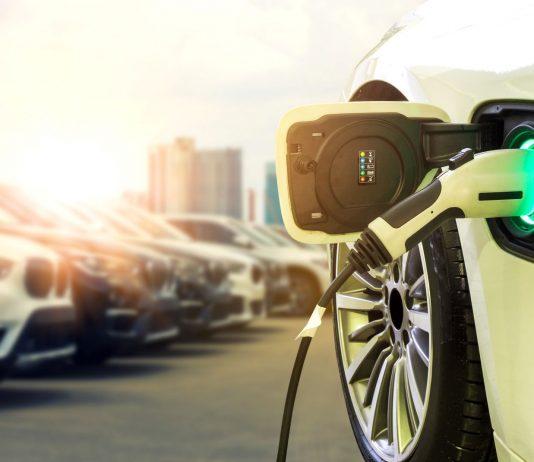 samochód elektryczny stacja ładowania elektromobilność