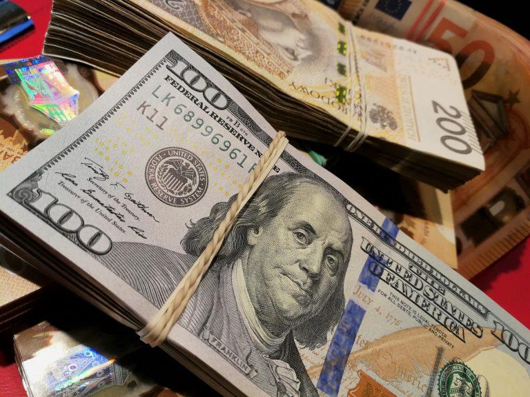 Dolar najtańszy od 22 miesięcy