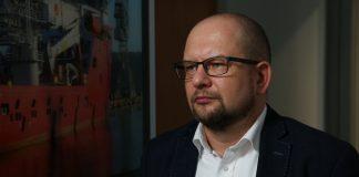 Budowa farm wiatrowych na Bałtyku może pobudzić przemysł stoczniowy i całą gospodarkę. Przy wielomiliardowych inwestycjach kluczowe jest stabilne otoczenie prawne