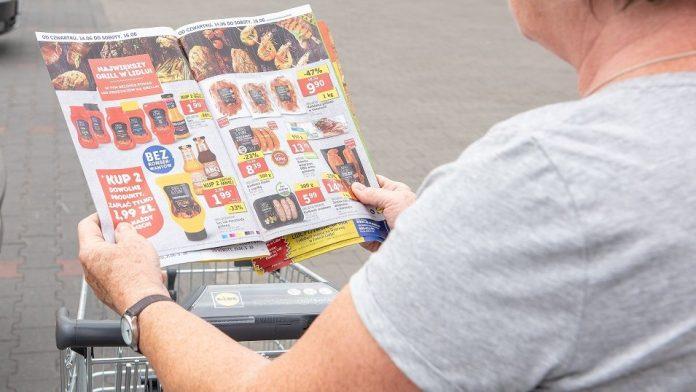 Dyskonty i hipermarkety napędzają poczytność gazetek promocyjnych