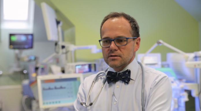Niedotlenienie w trakcie porodu zdarza się w Polsce częściej niż w UE. Kontrolowane obniżenie temperatury ciała noworodka zapobiegnie nieodwracalnym zmianom w mózgu