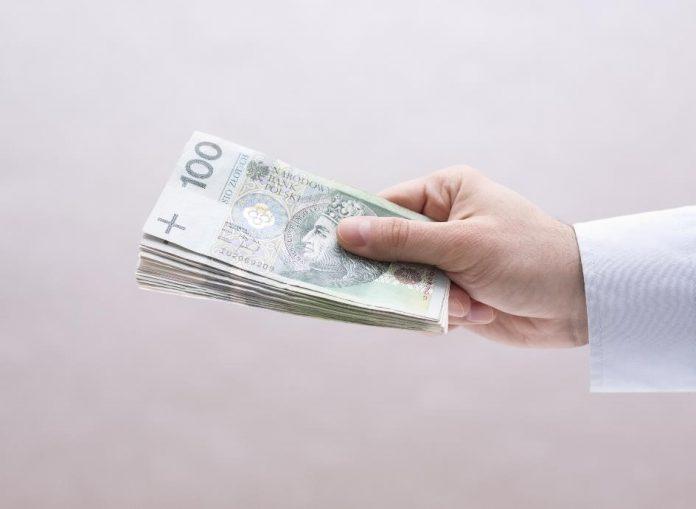 Windykacja popularniejsza niż sprzedaż długu, czyli jak Polacy odzyskują należności_small