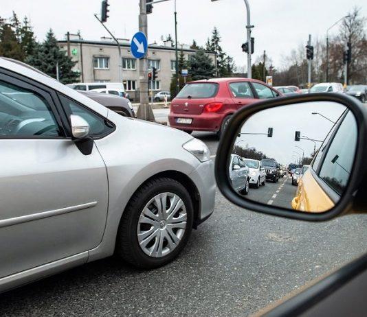 korek transport samochody