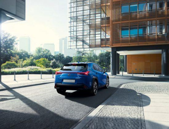 Lexus model UX 300e (3)