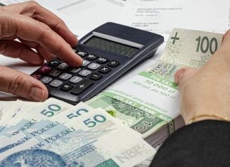 pieniądze podatki