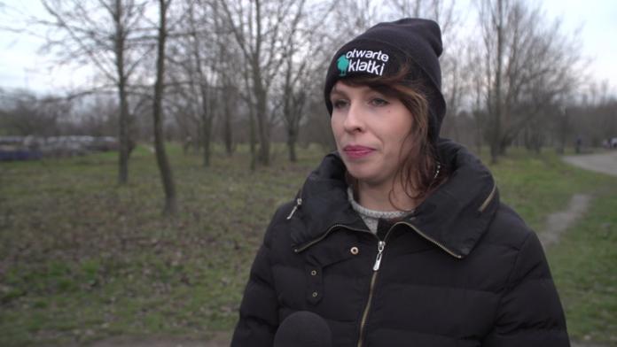 Coraz więcej Polaków popiera zakaz sprzedaży żywych karpi. Kolejne sieci handlowe wycofują się z tego pomysłu