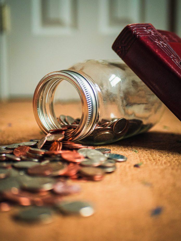 Pożyczki online – czy warto decydować się na takie rozwiązanie