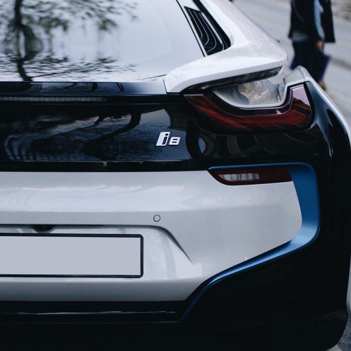 samochoód elektryczny BMW