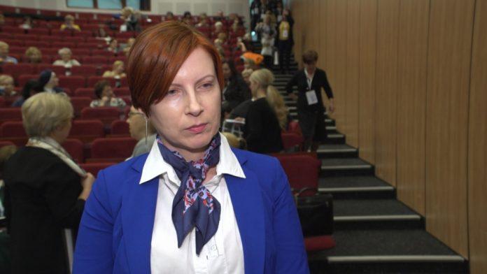 Rząd chce zachęcać młodych do pielęgniarstwa i położnictwa. Plan rozwoju tych zawodów rozpisany jest do 2030 roku