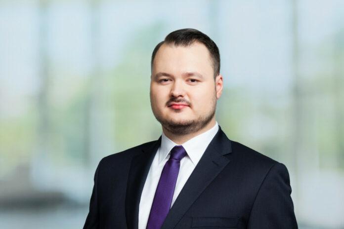 Dawid Samoń, analityk, dział badań i analiz, Savills