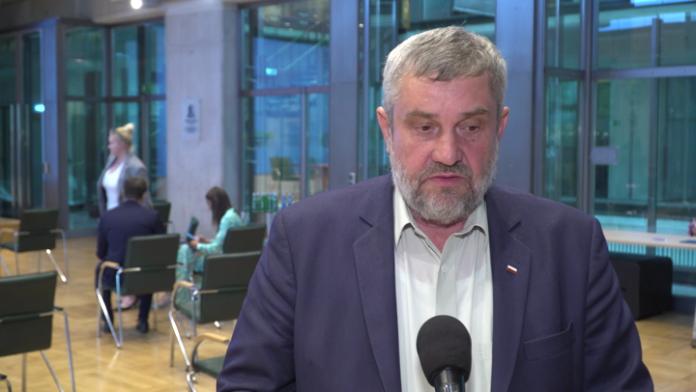 Minister rolnictwa: Wspólną politykę rolną czeka duży wstrząs. Nowa strategia UE dla rolnictwa może ograniczyć produkcję o 20 proc.