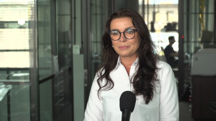Sprzedaż okularów przez internet może znacząco wzrosnąć. Polska aplikacja pozwoli przymierzyć oprawki w rozszerzonej rzeczywistości