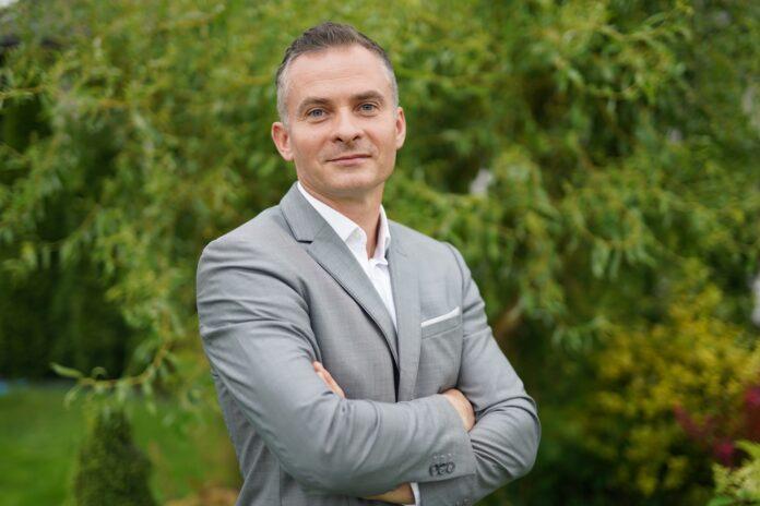 Paweł Zieliński – MLP Group