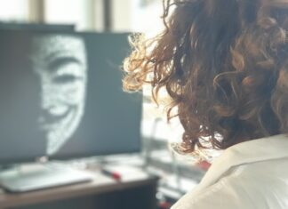 W czasie pandemii 80 proc. firm odnotowało zwiększoną liczbę cyberataków.  Mimo tego większość redukuje zespoły ds. cyberbezpieczeństwa [DEPESZA]