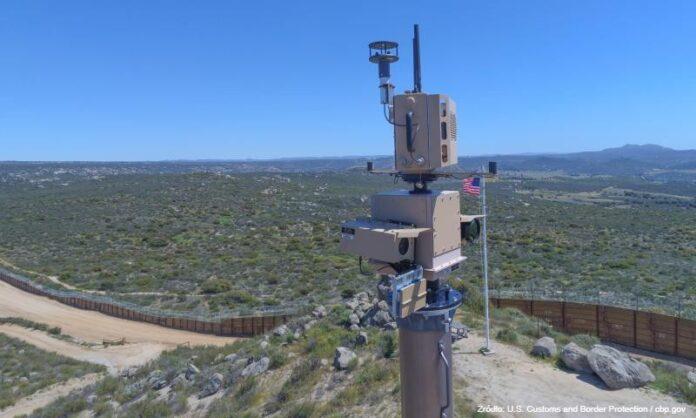 Na granicy USA z Meksykiem powstaje wirtualny mur. Zamontowane na wieżach czujniki zareagują na ruch, a sztuczna inteligencja sprawdzi zagrożenie [DEPESZA]