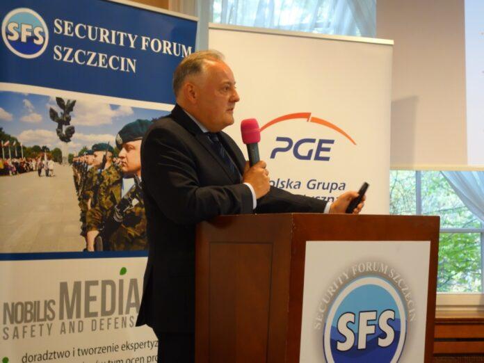 Prezes PGE Wojciech Dąbrowski