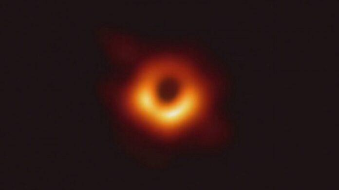Detektory kosmiczne wykryły największe z dotychczasowych źródeł fal grawitacyjnych. Zdaniem naukowców zdarzenie jest bardzo nietypowe [DEPESZA]