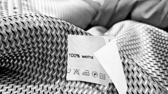 Materiał tekstylny o pamięci kształtu zrewolucjonizuje przemysł modowy. Pomoże opracować inteligentne ubrania i zmniejszyć ilość odpadów [DEPESZA]