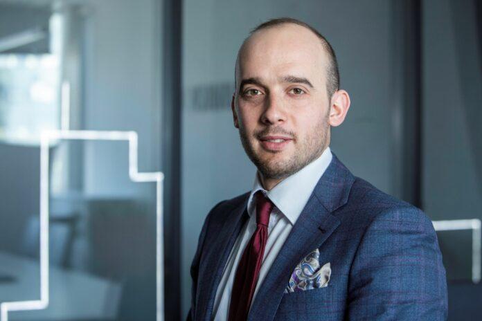 Piotr Roszkowski, Starszy Konsultant w Dziale Industrial AXI IMMO