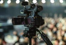 konferencja kamera