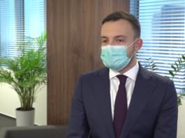 Szczepionki na koronawirusa trafią do Polski na początku 2021 roku. Jedna z nich została jednak skierowana na dodatkowe badania