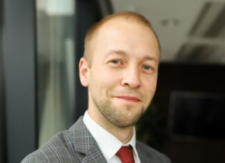 Piotr Szymoński Director Office Agency w Walter Herz