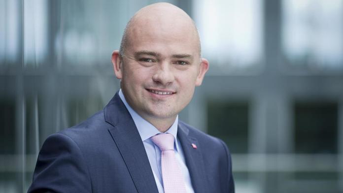 Andrzej Gliński, Członek Zarządu Banku Millennium SA