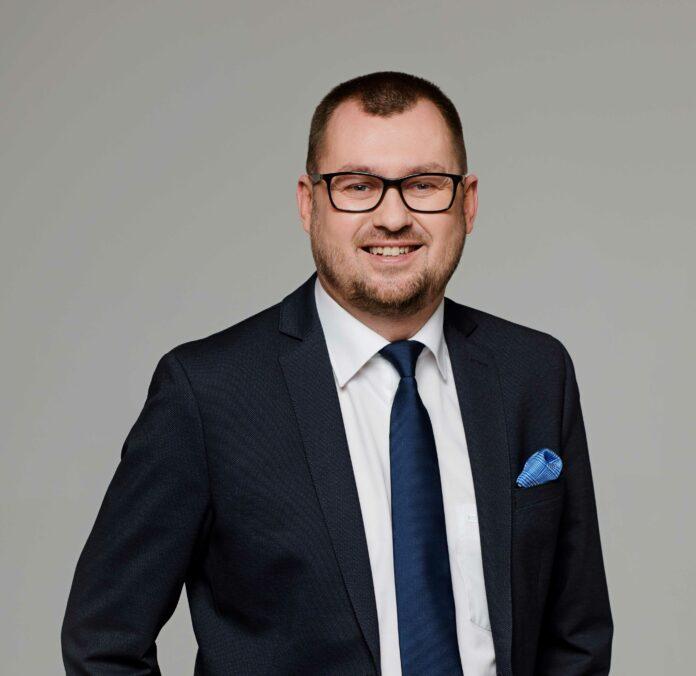 Janusz Garstka, Dyrektor w Dziale Agencji Komercyjnej Knight Frank