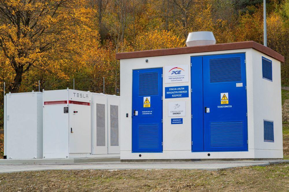 PGE Polska Grupa Energetyczna – Powerpack Tesla