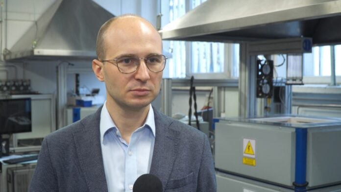 Pierwsza instalacja w Polsce wytworzy wodór m.in. z nadwyżek energii pochodzącej z OZE. Pozwoli to zmniejszyć emisyjność konwencjonalnych elektrowni