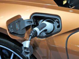 Liczba samochodów elektrycznych w Polsce rośnie