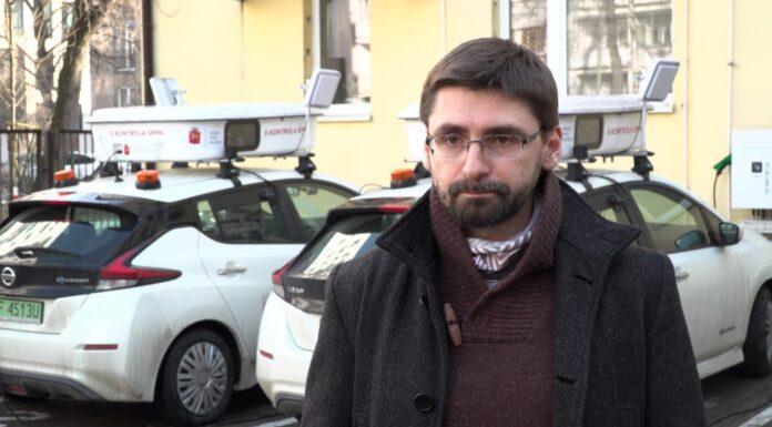Wkrótce więcej automatycznych kontroli parkingowych w Warszawie. Cztery nowe elektryki z inteligentnymi kamerami będą patrolowały stołeczne ulice