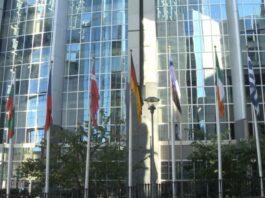Europosłowie interweniują w sprawie upolityczniania rozwoju 5G. Ostrzegają przed poważnymi międzynarodowymi reperkusjami [DEPESZA]