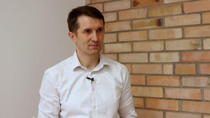 Nawet 5 proc. populacji nigdy nie zachoruje na COVID-19. Polscy naukowcy szukają genu, który odpowiada za odporność na tę chorobę oraz jej przebieg