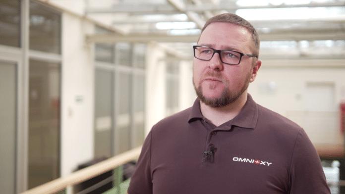 Komory hiperbaryczne pomagają pozbyć się powikłań po przejściu COVID-19. Polski start-up opracował ich tańszą alternatywę